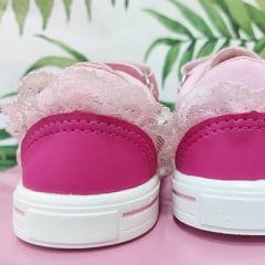 Tênis rosa olhinho